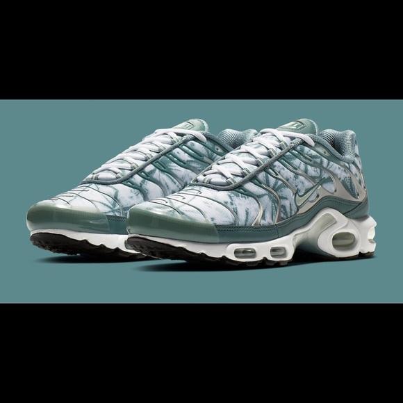 Nike Shoes   Air Max Plus Palm Trees